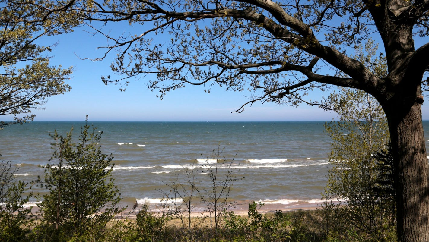 Beach-walkers rejoice: Lake Michigan shoreline in Indiana open to all
