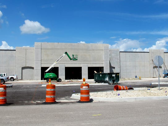 In the know new hobby lobby restaurant row coming to for Craft stores naples fl