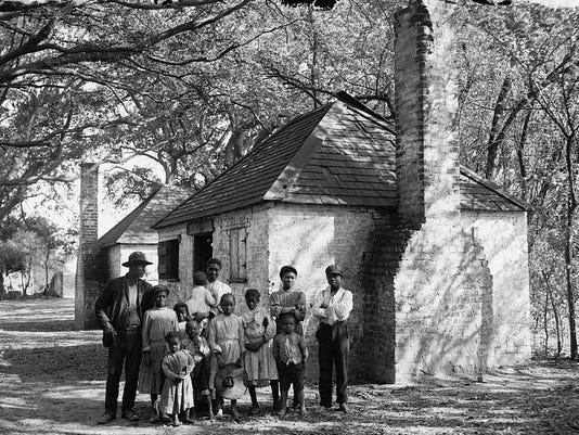 freed_family_on_plantation
