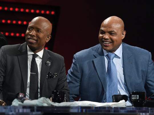 "Kenny Smith, left, pictured with Charles Barkley during an ""NBA on TNT"" broadcast on Jan. 5, 2017."