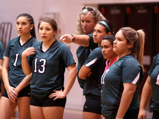 Taft Greyhound volleyball coach Tasha Wilson gives