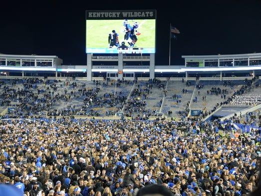 University Of Kentucky Athletics October An Exciting: Kentucky Comeback Stuns South Carolina, 45-38