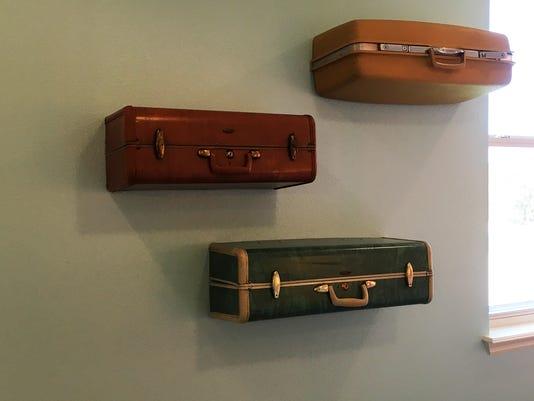 636239913680637514-Suitcase-shelves.jpg