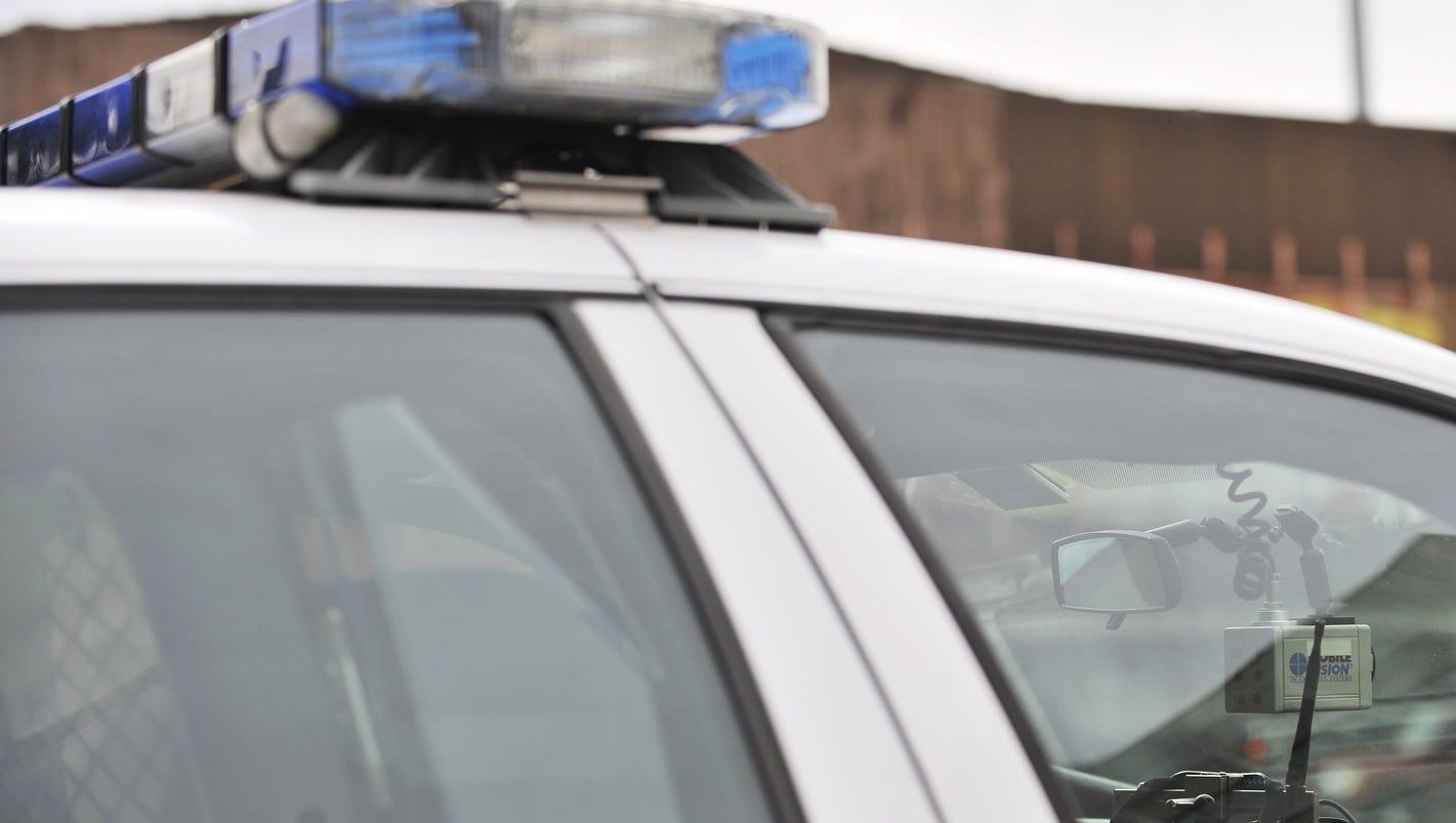 2 Detroit cops charged in fatal car crash