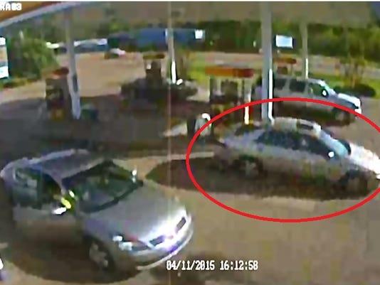 635646895967519624-suspect-car