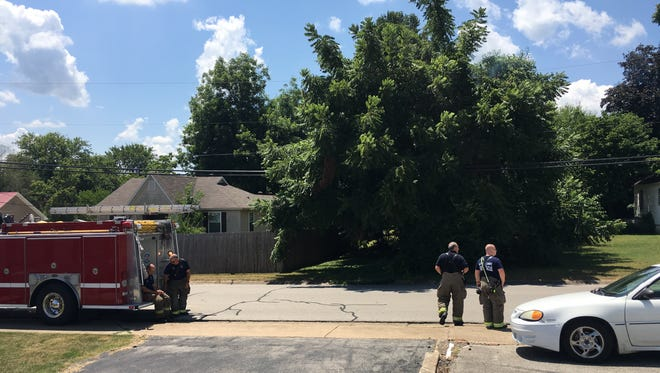 A power line in a tree has caused a small fire and motorists should avoid the intersection of 10th and Church streets as the Mountain Home Fire Department deals with a power line in a tree. Fire Department personnel were on scene at 12:14 p.m.