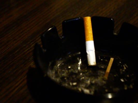 -SmokeShelter07.jpg_20130718.jpg