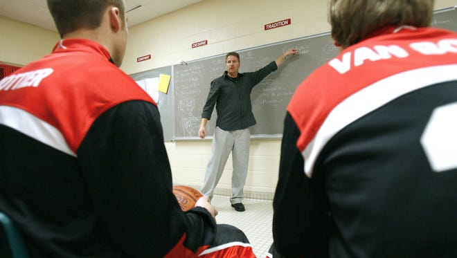 Seymour boys basketball coach Jon Murphy, shown before a game in 2010, will be inducted into the Wisconsin Basketball Coaches Association Hall of Fame on Sept. 24.
