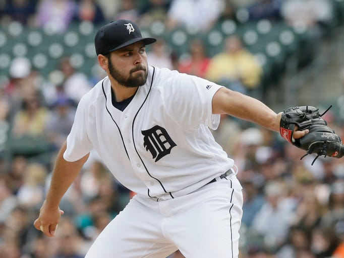 Detroit Tigers starting pitcher Michael Fulmer throws
