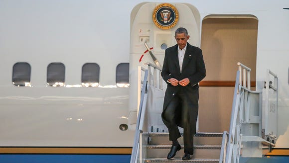 President Obama arrives at Jacksonville International