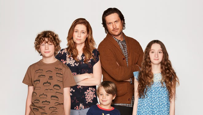 Jenna Fischer, second from left, and Oliver Hudson, second from right, star in ABC's 'Splitting Up Together.'