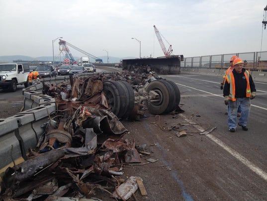 Tappan-Zee-Bridge-rollover-crash.jpg