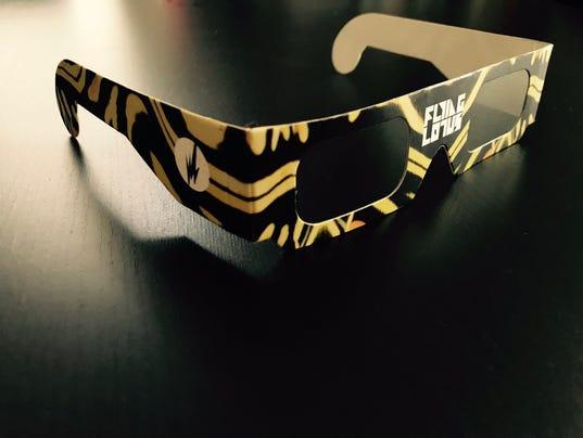 636395346776505904-3D-glasses.jpg
