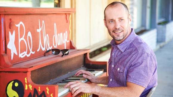 Southern raconteur Paul Thorn and his five-piece band will perform at the 8th & RR Center this fall.