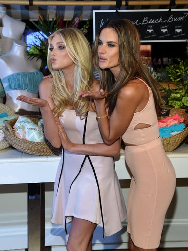 Victoria's Secret Angels celebrate the sexiest Push-ups