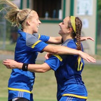 Marian storms past Northern for second straight state soccer crown