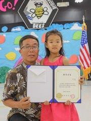 Guam Korean School held a vacation ceremony on May 12, 2018. Many delegates attended the event, encouraging and congratulating the children. Students were awarded more than $2,000 worth of certificates and gifts.