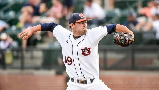 Auburn junior RHP Cole Lipscomb throws a complete game in a 5-2 win over Kentucky on April 29, 2016.