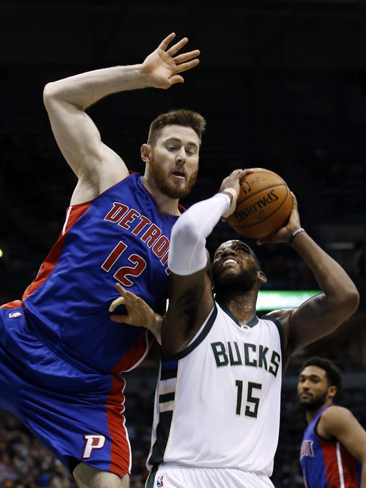 Pistons Bucks Basketb_Erns