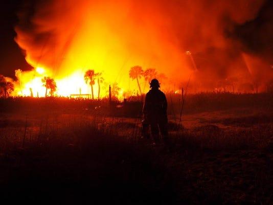 AP MANSION FIRE-FLORIDA A USA FL