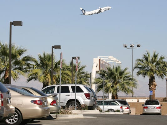 -Airport Parking.jpg_20071001.jpg