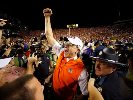 Auburn holds off No. 17 LSU after final-play touchdown is overturned