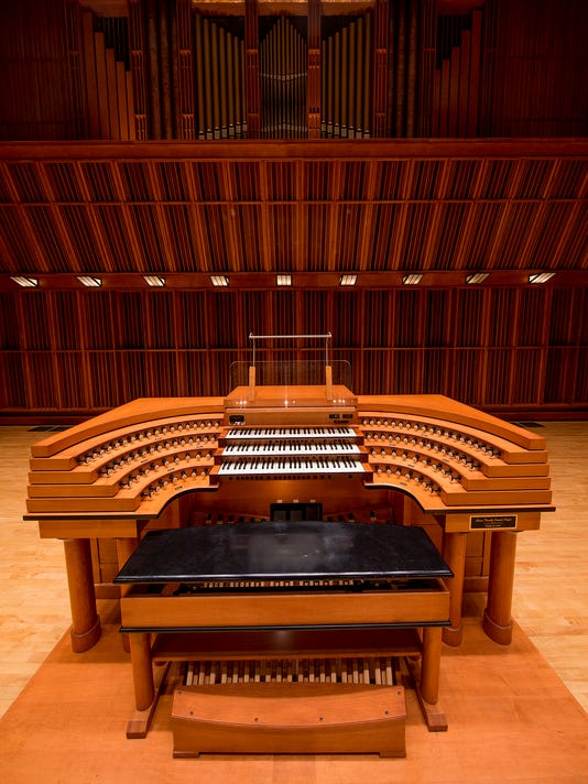 Sursa Performance Hall organ