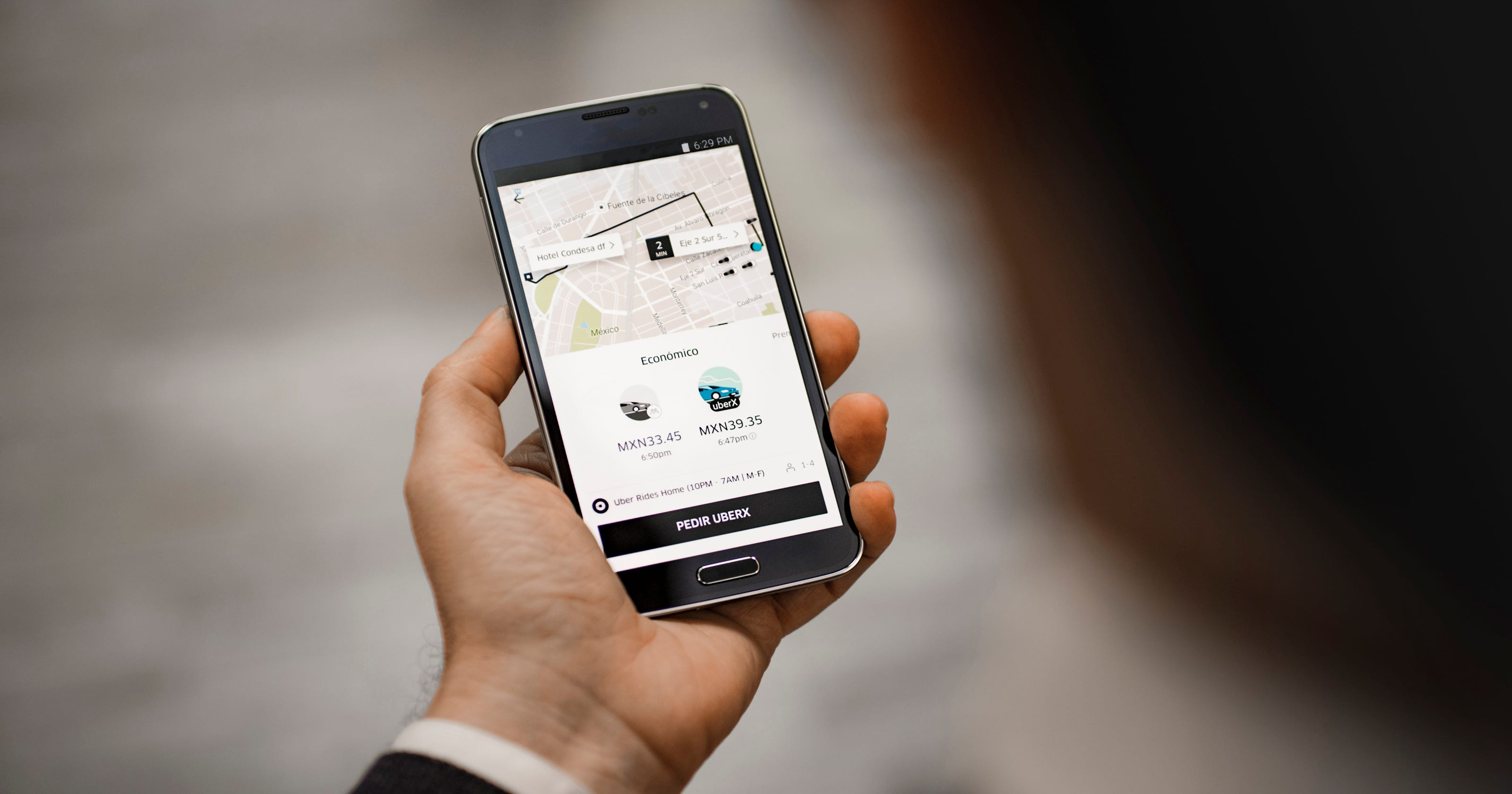 Cincinnati Uber drivers can now earn tips, which the company