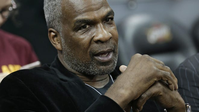 Charles Oakley took some jabs at former Knicks teammate Patrick Ewing and Hall of Famer Bernard King during a radio interview Monda.