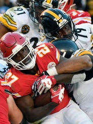 Pittsburgh Steelers players stop Kansas City Chiefs