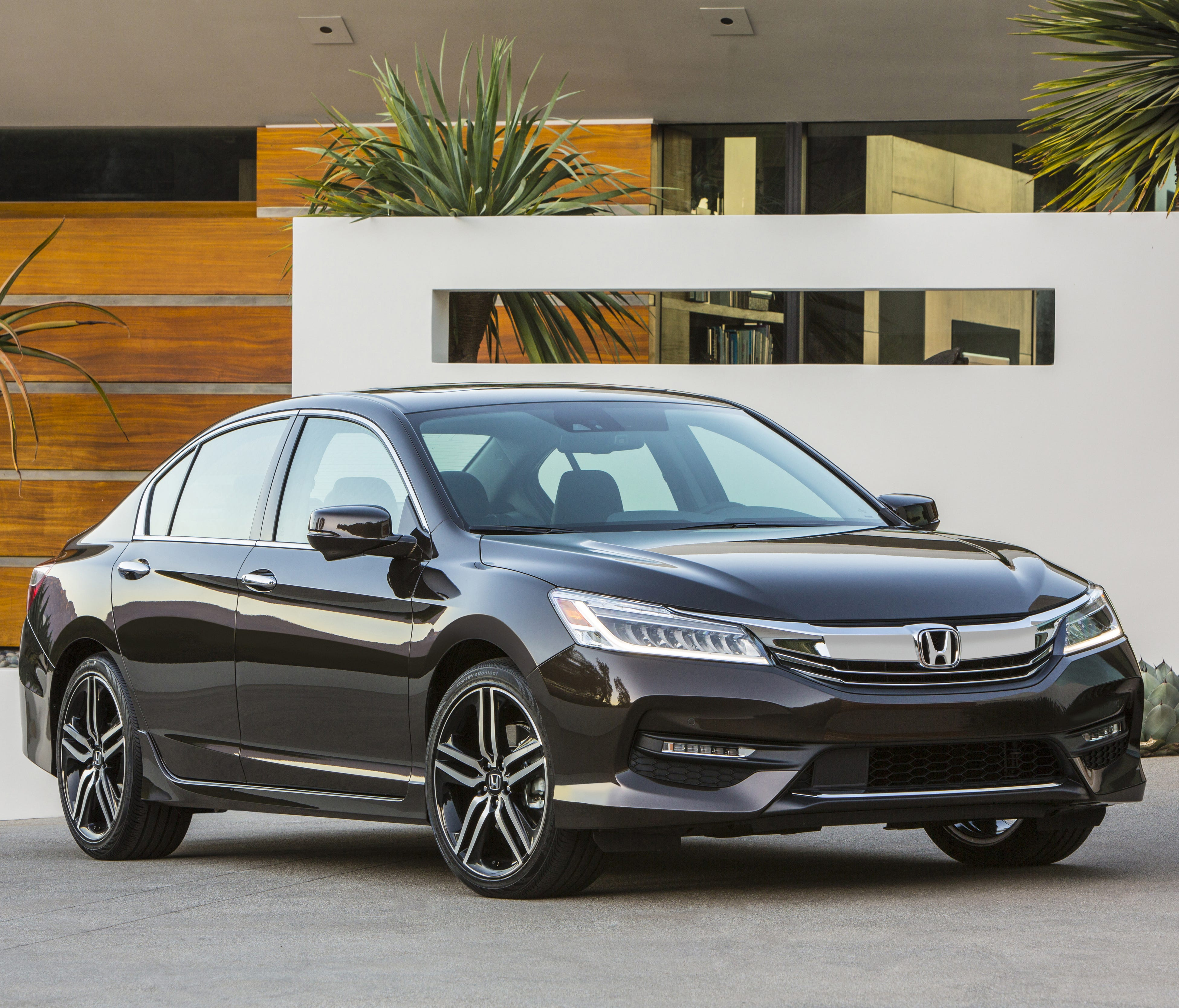 2016 Honda Accord is one of the country's most popular sedans