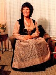 Halla Björg Smith (Valdimarsdóttir), 79, died Oct.