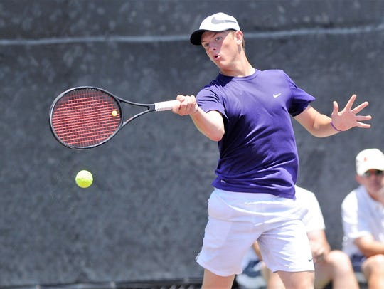 Wylie's Davyn Williford lines up a shot during the
