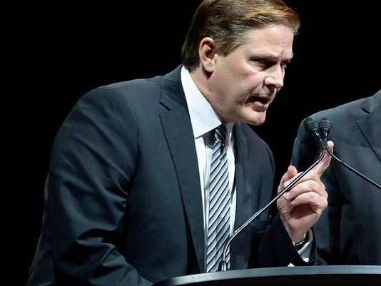 Senators_Arrest_Hockey_13284.jpg
