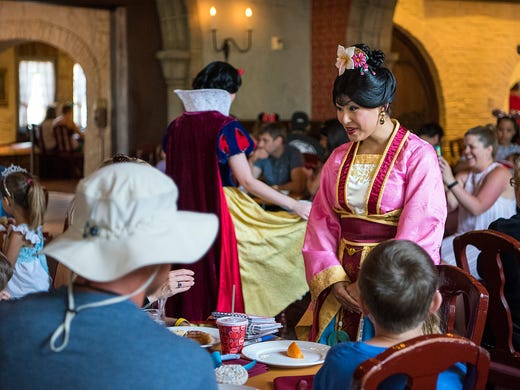 Disney character dining takes on a team approach at