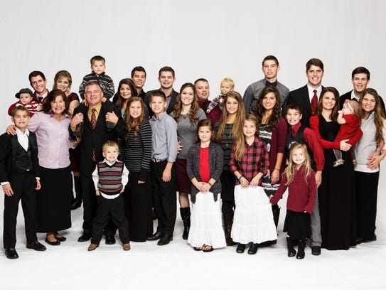 """Bringing Up Bates"" features Rocky Top-based family"