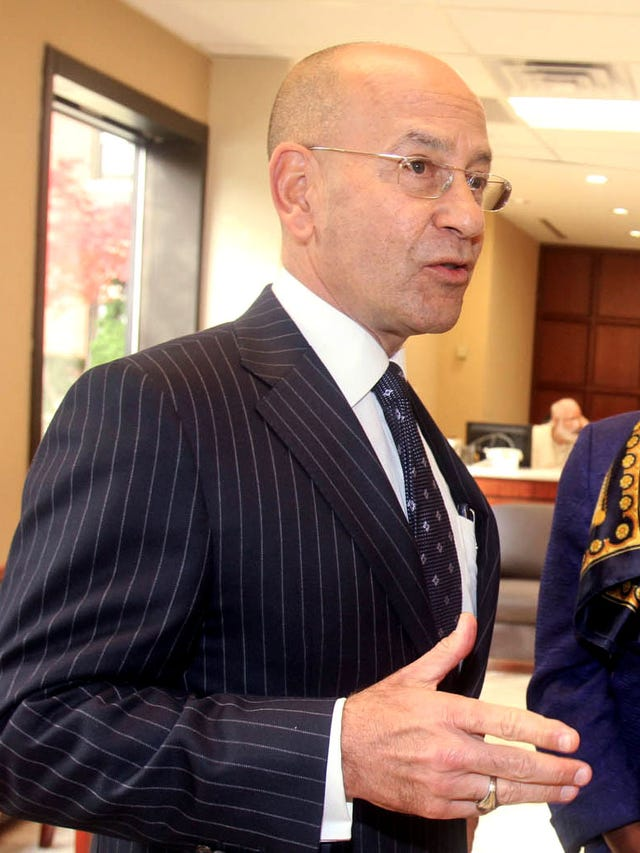 Top 5 highest paid New York hospital officials