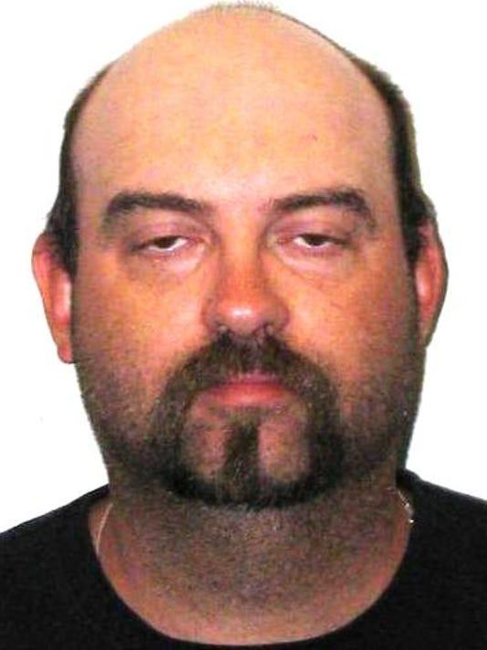 Facebook burglar' gets prison for Canada escape