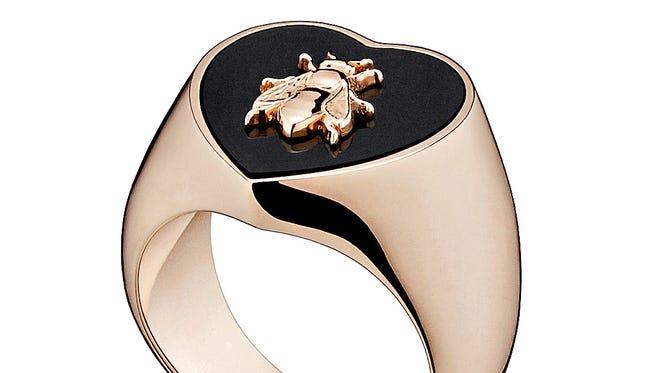 """Los anillos de la línea """"Lucky Dior""""."""