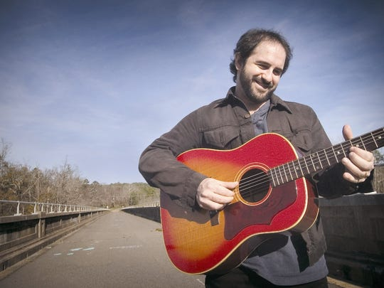 Jon Shain will perform Thursday at Blue Tavern.