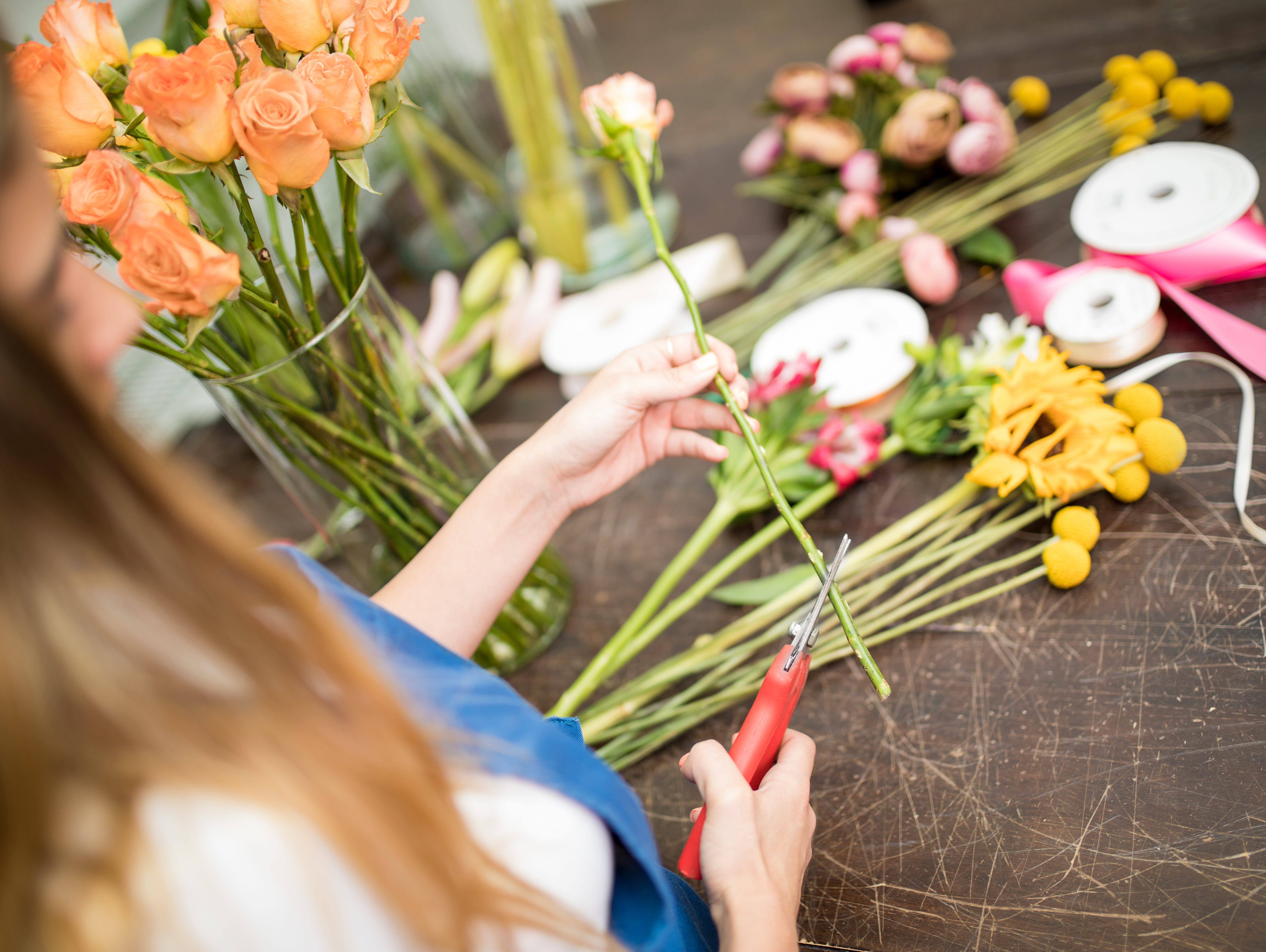 Attend our summer bouquet workshop for a fun & informative class about floral arranging and tips!