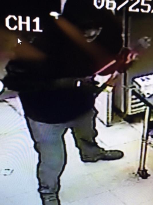 636680479901092484-June-25th-Kronenwetter-bar-crime-suspect.png
