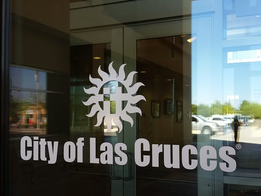 635781884710160111-20150918-LasCruces-cityhall-sign-4