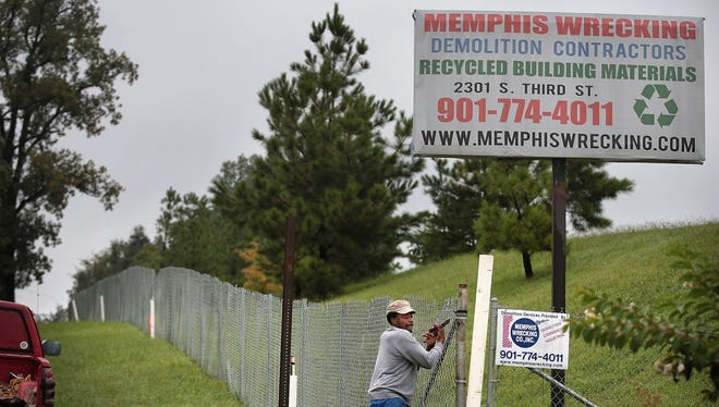 Plans by Memphis Wrecking to expand a construction landfill near Whitney Elementary School has residents worried about the possible negative impact in the community, but owners of the landfill say the expansion will not be visable due to an existing tree line and berm.