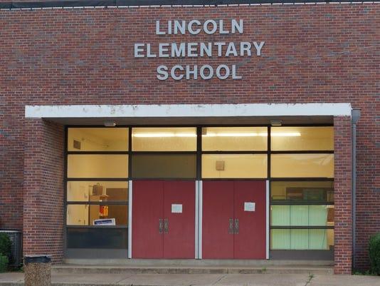 635991688746363564-Lincoln-Elementary---12706681.JPG