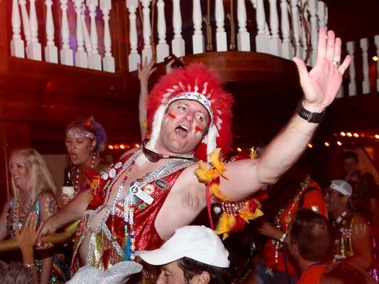 636006040200105679-sm2016-0603-fiesta-parade-after-party-seville-quarter-0017.jpg