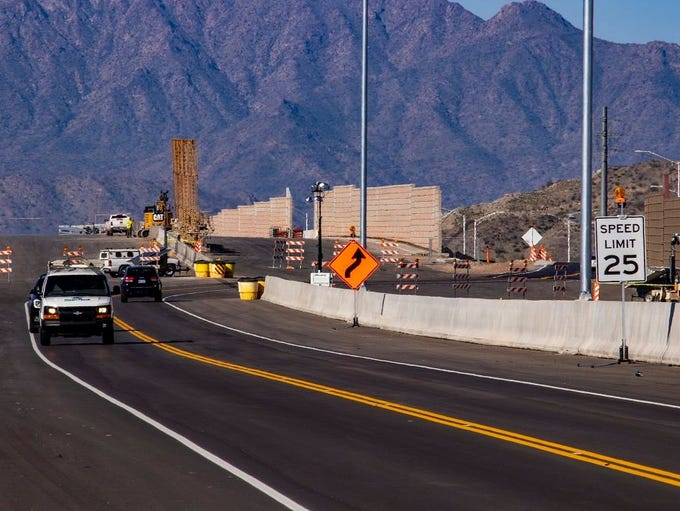 Access for drivers on the Loop 202 extension project