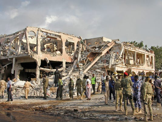AP APTOPIX SOMALIA EXPLOSION I SOM