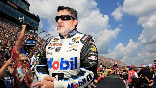 Tony Stewart is expected to announce his retirment from NASCAR following the 2016 season at a press conference Wednesday.