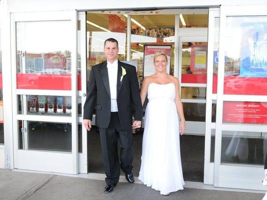 636225787844643992-wedding-2.jpg